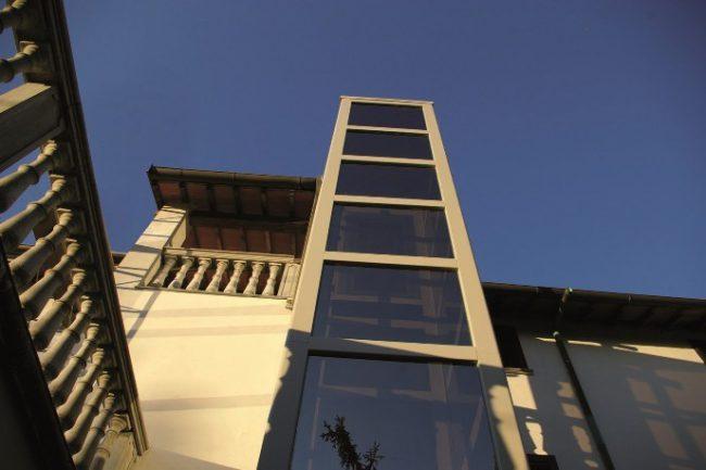 Thyssenkrupp Residential Outdoor Vertical lift