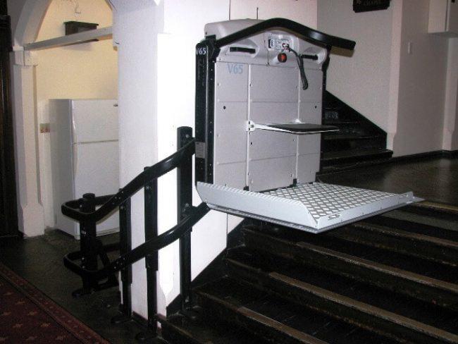 v65 vimec curved rail platform chair lift